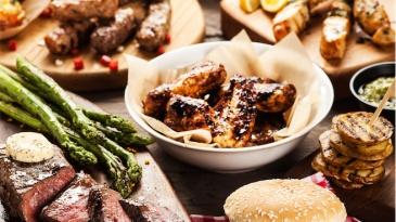 Panvita_food_styling_food_grilled_steak_hamburger_cevapcici